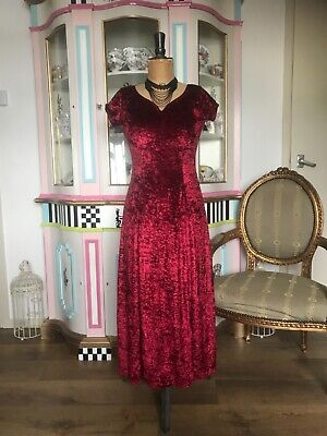 £25 • Buy ❤️ Red Velvet Evening Dress By Charlotte Halton At River Island, New With Tags ❤