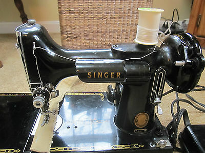 $450 • Buy Vintage Singer Featherweight 221 Sewing Machine With Case