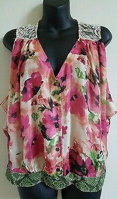 $ CDN16 • Buy Fig And Flower Top Sleeveless Floral Lace Blouse Button Front Small S