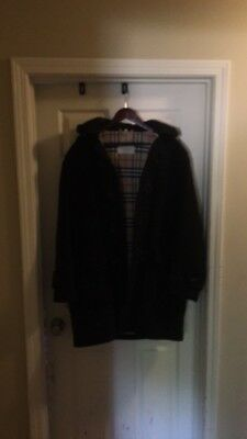 $300 • Buy Burberry Mens Peacoat Large With Detachable Hood