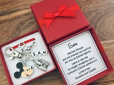DISNEY REVEAL, Keyring, Charm, MINNIE / MICKEY MOUSE, PERSONALISED Gift, Box • 5.99£