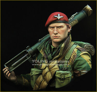 Young Miniatures British Paratrooper + Piat Gun WW2 1/10th YM1871 Unpainted Kit  • 57.99£