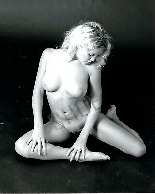 AU13.01 • Buy Art Nude Woman Photo Black And White Semi-Glossy (Luster) 8 X10  (2)