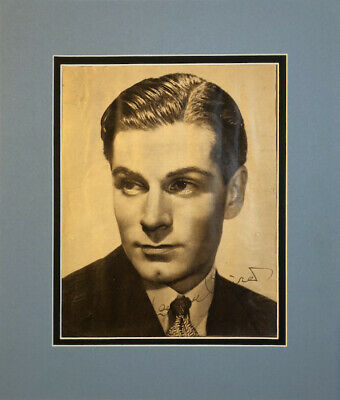 Laurence Olivier Signed And Mounted Page Clipping (12½ X11 ) • 55£