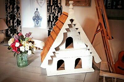 Traditional 3 Hole Dovecote Birdhouse • 150£