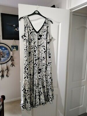 Women's Soon Dress, Black And White With Jacket, Wedding Outfit Wore Once. Great • 20£