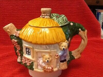 £8.99 • Buy Round Cottage Teapot With Teddy Bears.