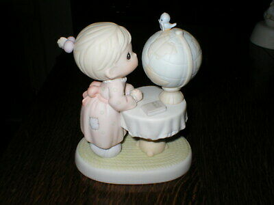 Enesco Precious Moments Figurine What The World Needs Now • 12.99£