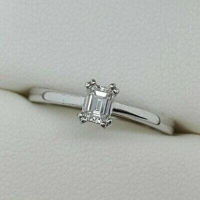 18ct White Gold Emerald Cut Diamond Solitaire Ring. Ring Size M • 275£