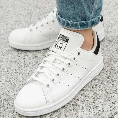 Stan Smith Chaussures 】</p>                     </div> 		  <!--bof Product URL --> 										<!--eof Product URL --> 					<!--bof Quantity Discounts table --> 											<!--eof Quantity Discounts table --> 				</div> 				                       			</dd> 						<dt class=