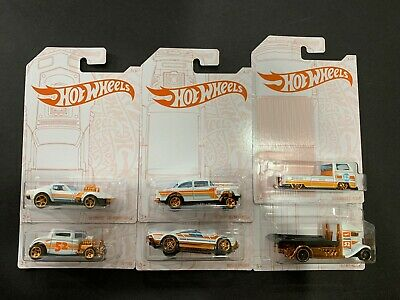 Hot Wheels Pearl And Chrome Set Of 6 Cars Include Gasser And VW T2 Pickup 1/64 • 19.30$