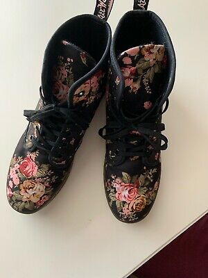 Dr. Doc Martens Womens Black Floral Lace Up Combat Boots Airwair US 8 Victorian • 39.99$