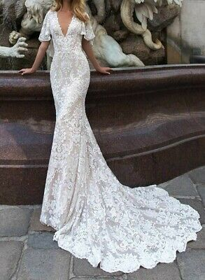 AU150 • Buy Brand New Wedding Dress - V-Neck With Cape And Train - Size M (10-12)