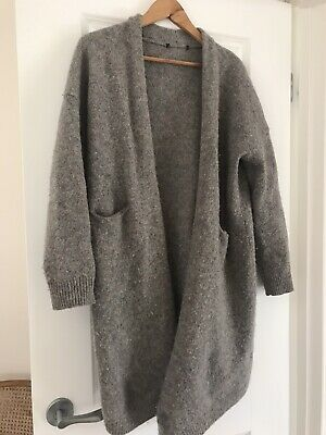AU17 • Buy UNIQLO 100 % Wool Cardigan Jacket - Size 10 Or Small