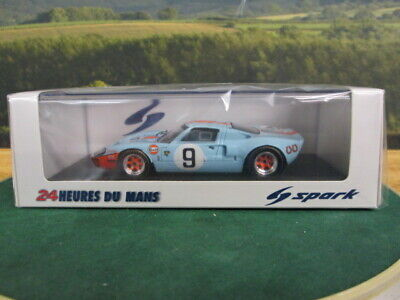 SPARK.  Ford GT40 Winner Le Mans 24hr 1968. No9. Light Blue. 1:43. 43LM66 • 60£