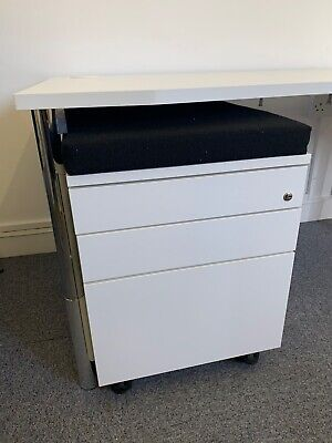 £69 • Buy Modern White Wave Top Office Desks. Matching Pedestals And Cupboards Available