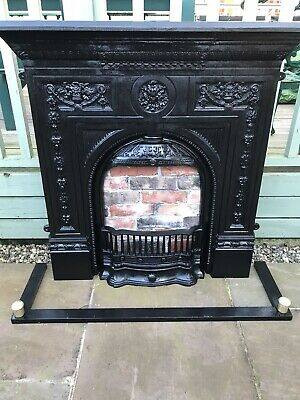 Victorian Style Cast Iron Fireplace • 375£