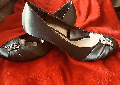 Pewter Grey Satin Shoes With Dimante Detail Size 6 • 5£