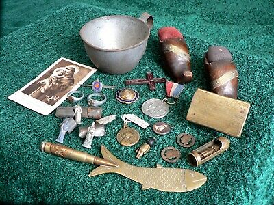 Nice Small Collection Of WW1 TRENCH ART , Soldiers SOUVENIRS , And CHARMS . • 46.55£