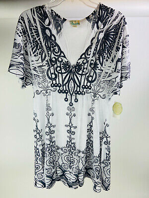 $10 • Buy Live And Let Live Beach Women Size Medium Black White Blended Casual Tunic