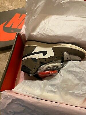 $900 • Buy Travis Scott Jordan 1 Size 8
