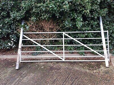 6 Bar Metal Field Gate With 2x Posts, Good Condition - Barely Used • 80£