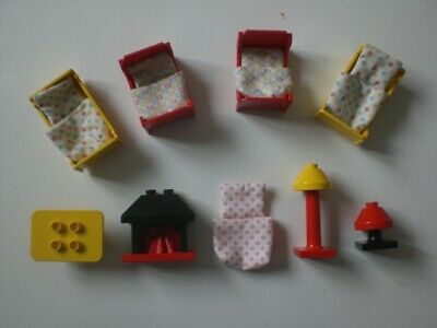 £29.99 • Buy LEGO DUPLO BEDS X 4 WITH DUVET/COVERS X 5 + FIREPLACE.LAMPS + TABLE,See Pics.