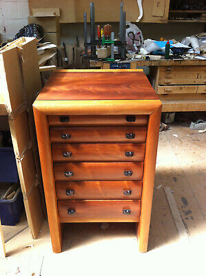 Mahogany Chest Of Drawers/Collectors Cabinet • 900£