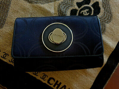 AU25 • Buy Black OROTON Signature 0 Gold Clasp Wallet / Purse / Evening Clutch Bag. NEW