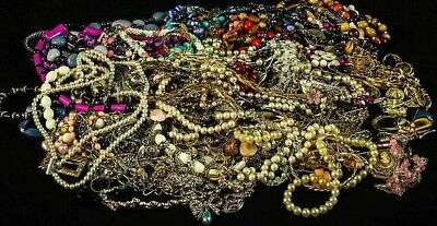 $ CDN48.17 • Buy Unsorted Vintage Modern Jewelry Junk Craft Lot Pieces Parts Brooch Necklace ++