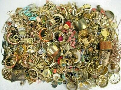 $ CDN89.73 • Buy FULL 5 POUNDS Vintage Now Jewelry Junk Craft Box Brooch Necklace MORE Huge Lot