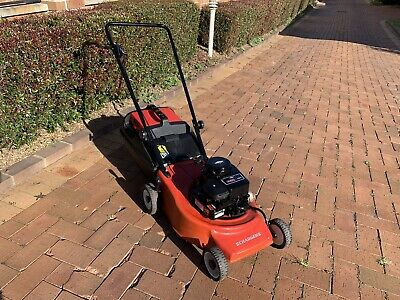 AU330 • Buy 4 Stroke Victa Challenger With Briggs & Stratton 450 Series Motor Lawn Mower