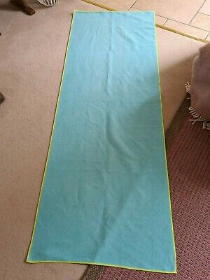 Yoga Towel Mat Non-Slip Turquoise (Used) • 5£