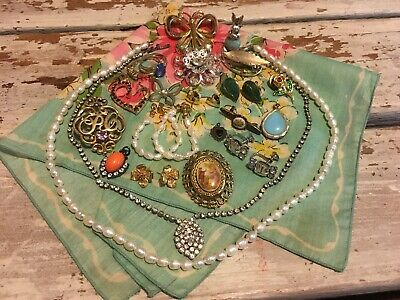 $ CDN61.23 • Buy Vintage Jewelry Lot Necklaces Brooches Pendants Sterling Ring GF Pin Summer Girl