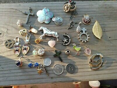 $ CDN30.32 • Buy Lot Of Vintage & Modern Charms Pendants Pink Quartz Shell Religious And More