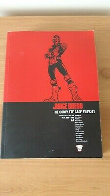 Judge Dredd Comic Book Paperback The Complete Case Files  01 • 8£