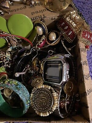 $ CDN8.83 • Buy Vintage To Now Unsearched Jewelry Mixed, Jewelry Lots Great For Craft Too. A2