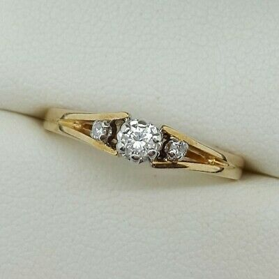 Pretty 3 Stone Diamond Ring In 9ct Gold. Ring Size M 1/2. • 125£