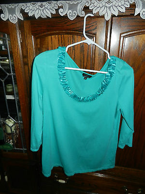 $6.99 • Buy  Talbots Ladies   Green Scooped Neck 3/4 Sleeve Shirt Size M (disk Cluster Neck)