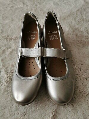 Clarks Active Air Pewter & Silver Shoes Size 5 NWOB • 5£