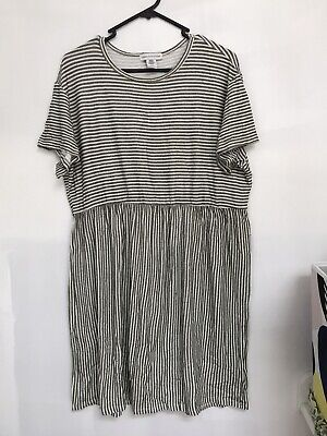 AU10 • Buy Urban Outfitters Ladies Dress Size XL Midi Length