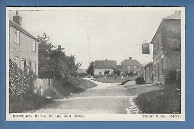 Berkshire: Blewbury, Village And Cross, Taunt & Co 2407, Early Postcard (P38) • 1.95£