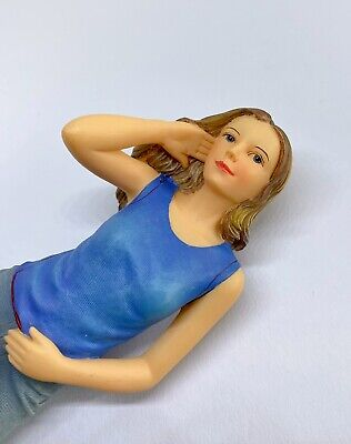 1:12 Resin Figure Woman For Dolls House/ Miniature Railway Etc • 12.50£