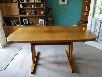 Ercol Extending Dining Table • 200£