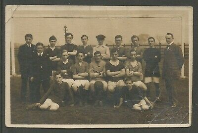 AMATEUR FOOTBALL TEAM PICTURE POSTCARD EARLY 20th CENTURY • 1.99£