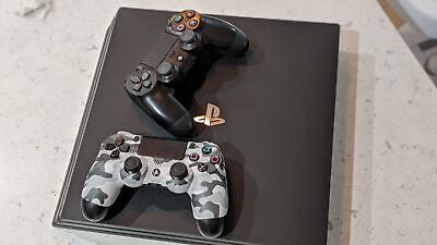 AU549 • Buy Ps4 Pro 1TB Console + 2 Controllers + Games