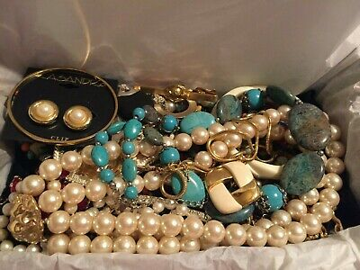 $ CDN24.02 • Buy Large Estate Find Vintage - Now Lot Of Jewelry Junk Drawer Untested 1.5+lbs 350