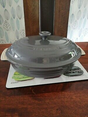 LE CREUSET Stoneware Large Oval Casserole  Dish With Lid.NEW. • 54£