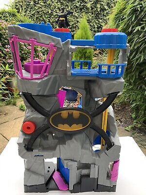 Mattel TM & DC Bat Cave DC Batman Batcave Large Playset + Batman Action Figure • 26.50£