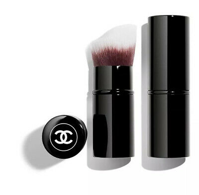 Les Pinceaux De Chanel Retractable Foundation Brush • 38£